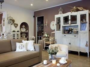 Mieszkanie jak w Prowansji. Eleganckie, romantyczne, a zarazem swojskie. Wyczaruj je
