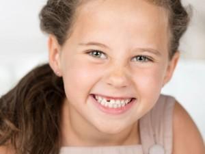 Najlepsze rady dla rodziców: jak dbać o zęby dziecka?