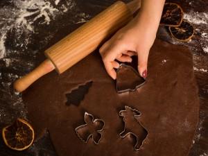 Nie zapomnij wstawić ciasta na pierniczki! 3 doskonałe przepisy na dojrzewające ciasto, idealne na wypieki