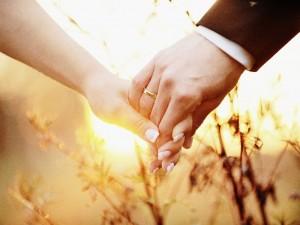 Obrączki ślubne bez tajemnic! Dowiedz się wszystkiego, co najciekawsze o najważniejszym symbolu małżeństwa!