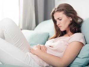 ból jajników po stosunku, tkliwość jajników, bolesny seks, bolesne zbliżenie