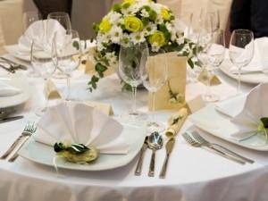Okolicznościowy stół ziołowy