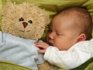 Owijanie dziecka do snu