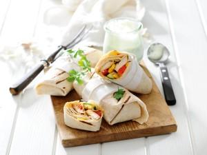 Pikantne danie kuchni meksykańskiej - sprawdź przepisy na burrito