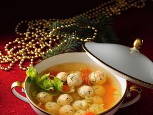 Pożywne danie z bogactwem ryb - sprawdź przepisy na zupę rybną