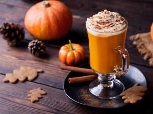 Przygotuj dyniową latte w zaciszu domu - sprawdź nasze przepisy
