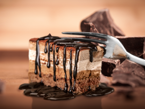 Pyszne ciasto kukułka na 2 sposoby: w wersji tradycyjnej oraz bez pieczenia!