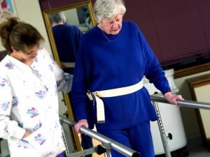 Rehabilitacja po złamaniu szyjki kości udowej