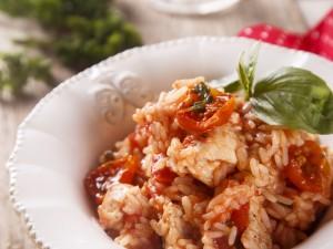 risotto z kurczakiem i świeżymi pomidorami