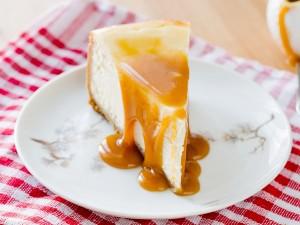 Sernik na zimno: 11 pomysłów na smakowity sernik bez pieczenia