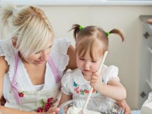 Słodkie wypieki z dzieckiem