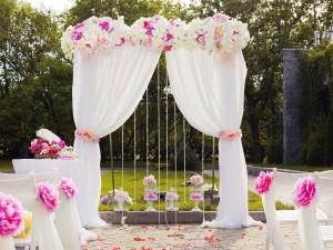 Ślub jak z bajki? To możliwe. Prezentujemy 10 najpiękniejszych miejsc na wesele w Polsce!