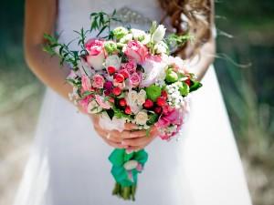 Ślubne inspiracje! 6 najładniejszych bukietów z eustomą