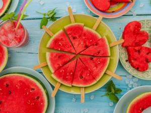 Soczyste orzeźwienie - dlaczego warto włączyć arbuza do diety?