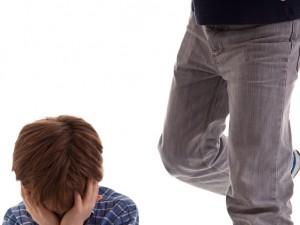 Sprawcy bullyingu i cyberbullyingu – kim są?
