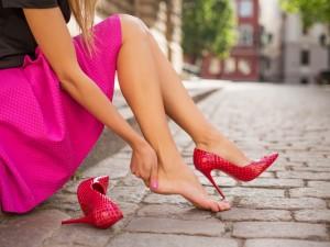 Spuchła ci stopa? Oto 6 kolejnych działań, które powinnaś podjąć