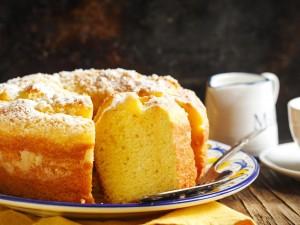 Szukasz przepisu na prosty deser? Zobacz 13 pomysłów na ciasto jogurtowe!