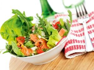 Szybkie  i pyszne sałatki do dań z grilla!