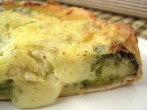 Tarta z brokułami i serem