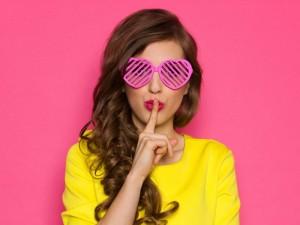 Tematy tabu w pracy - czego nie mówić kolegom w pracy