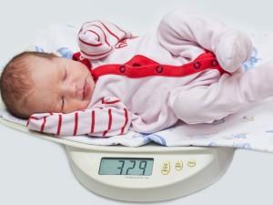 To musisz wiedzieć o wadze poporodowej dziecka!
