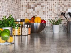 To powinnaś wiedzieć na temat blatów kuchennych, zanim kupisz do swojej kuchni