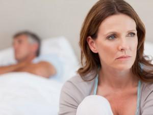 Trudne dni, jeszcze trudniejsze noce. Jak poradzić sobie z bezsennością w czasie menopauzy?