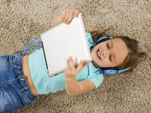 Uwaga na zabawki połączone z internetem! Mogą być niebezpieczne dla dzieci