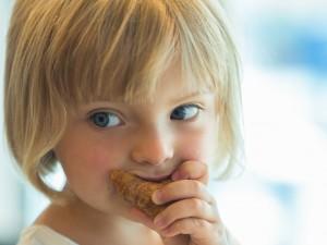 Uwaga, te popularne ciastka dla dzieci są rakotwórcze! Sanepid nakazał wycofać je ze sklepów