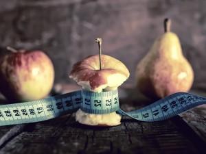 Wciąż się ważysz i intensywnie się odchudzasz? Nie przeocz objawów anoreksji!