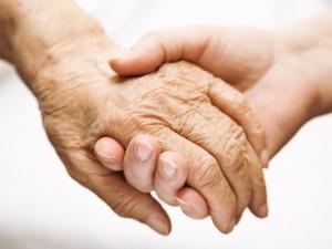 Wiara – jaką rolę pełni na starość?