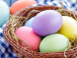 Wielkanocny przewodnik: dowiedz się, jak zorganizować święta!