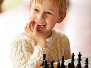 Zajęcia dla dzieci: gra w szachy