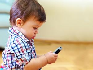 Zanim kupisz dziecku komórkę...