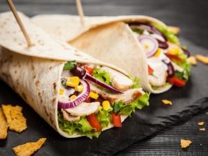 Znudziło ci się klasyczne burrito? Sprawdź do czego jeszcze możesz wykorzystać placek tortilli!