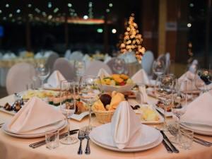 Zostań perfekcyjną panią domu! Nakryj do stołu idealnie!