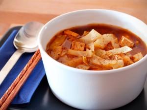 zupa z kapusty pekińskiej z pomidorami
