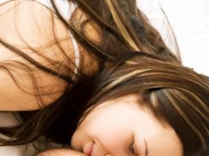 Zwiększone wypadanie włosów po ciąży – co robić?