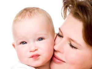 Żywienie dziecka w pierwszym roku życia – miesiąc po miesiącu