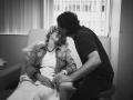 """Aktorka serialu """"Beverly Hills 90210"""" opublikowała film ze swojej chemioterapii. Czy to już przesada?"""