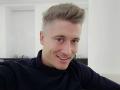 Dlaczego Lewandowski przefarbował się na siwo? Oto prawdziwy powód