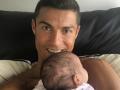Ronaldo został tatą po raz czwarty! Pokazał zdjęcie z... porodówki