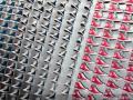 Roztańczone buty na wystawach Converse