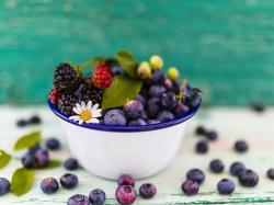 7 skutecznych, domowych sposobów na muszki owocówki