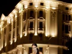 Annais Bridal model Carrera w unikatowym odcieniu Light Gold