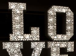 Ażurowe LOVE z żarówkami LED, w stylu RETRO, najem, WYNAJEM 100 cm  - LiteroweLOVEpl