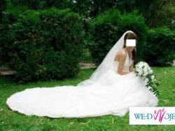 ........Bajkowa Suknia Ślubna...............