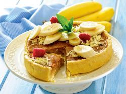 Bananowy tort z kremem krówkowym