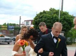 Bardzo elegancka i szykowna suknia ślubna