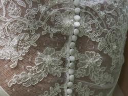 bardzo oryginalna suknia